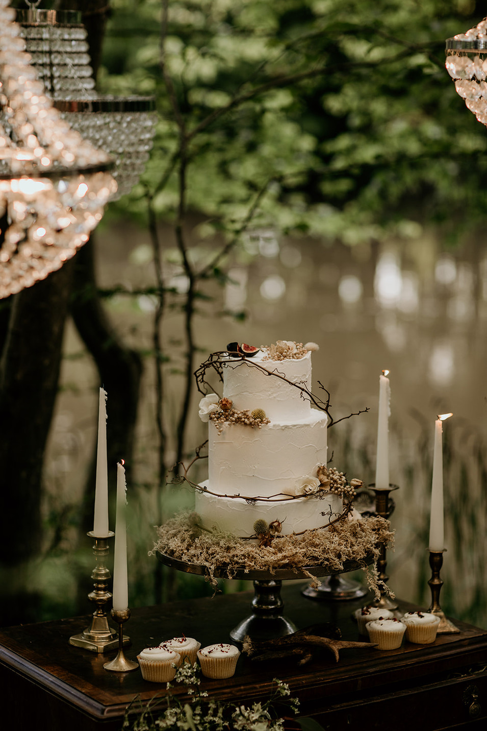 What a beautiful example of a woodland inspired wedding cake?  We have a great selection of trusted suppliers at our finger tips from cake makers to lighting.  More details available upon request.