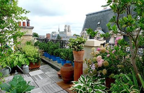 Dans les résidences gérées, la terrasse ou le jardin font partie des partie communes.
