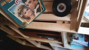 Des caisses en bois comme meuble