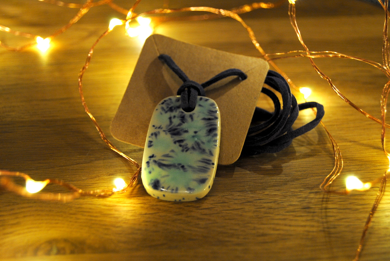 14. Dezember: Keramikanhänger