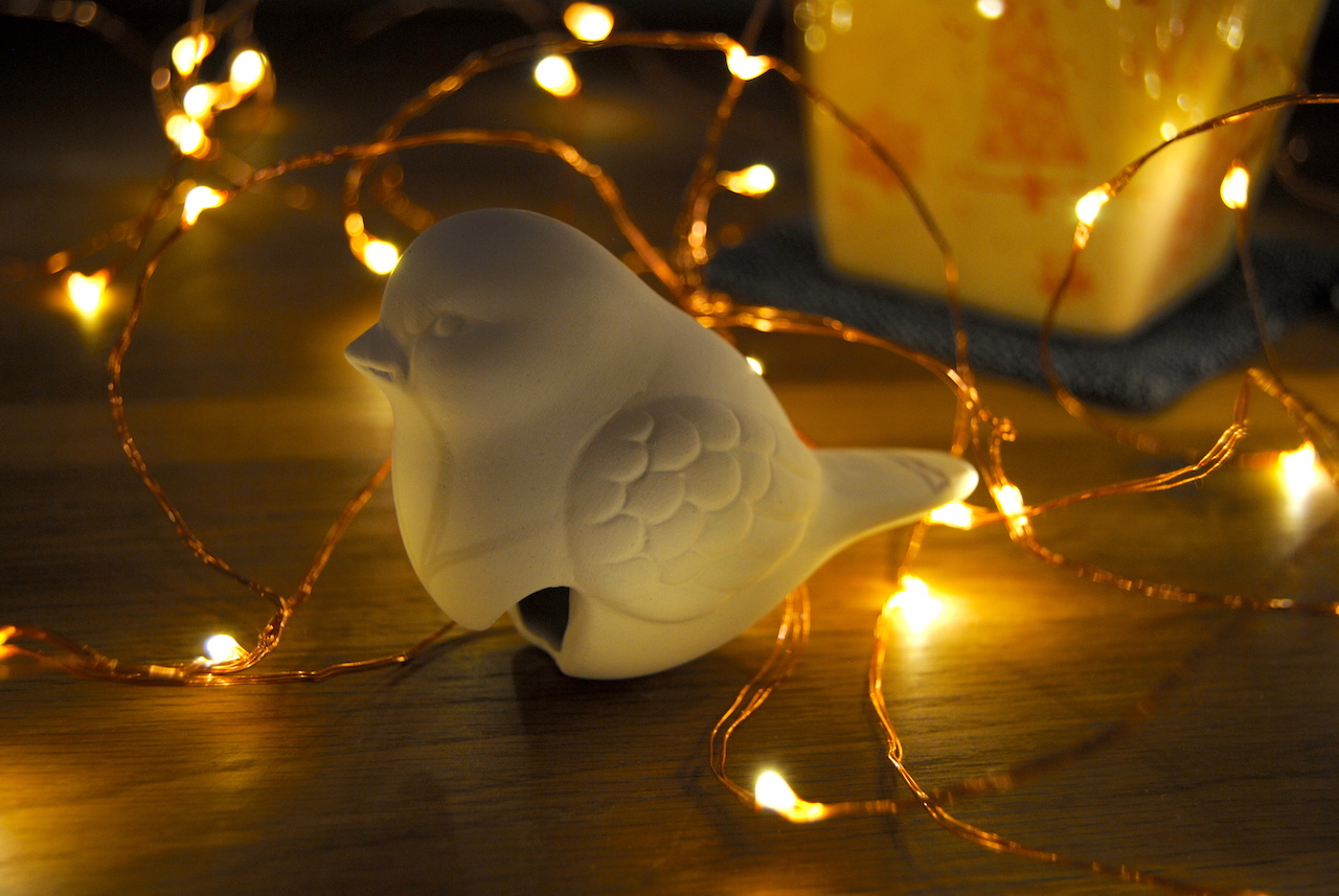 1. Dezember: Keramikvogel