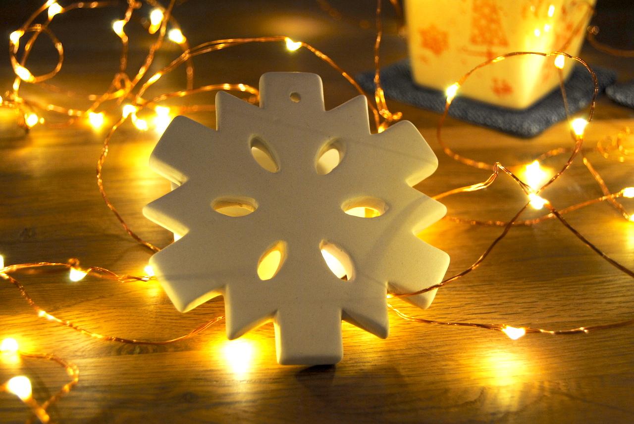 15. Dezember: Keramikschneeflocke