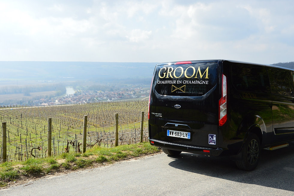 Taxi Epernay GROOM. Transport TPMR. Champagne TOUR. VTC TOUR