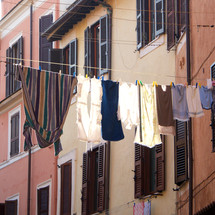 ropa tendida en Roma