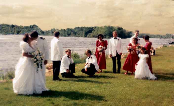Bride-and-Groom-on-the-Rive