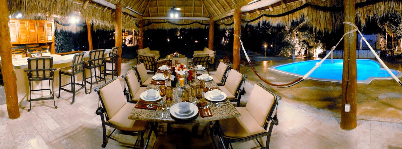 Mesa.jpg Dining table at night copy_edit