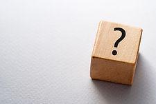 """<p class=""""font_8"""">(Wien/OTS) – PEKABE, der Schutzverband der Pensionskassenberechtigten, hat im März 2021 eine repräsentative Umfrage zum Thema """"Pensionskassen"""" abgeschlossen, an der 2.105 Personen mit einem Anspruch auf eine Pensionskassenleistung, also Anwartschafts- und Leistungsberechtigte, teilgenommen haben.</p> <p class=""""font_8""""><br></p> <p class=""""font_8""""><strong>88% der Leistungsberechtigten sind von Pensionskürzungen betroffen</strong></p> <p class=""""font_8"""">Die von den Beziehern einer Pensionskassen-Pension oftmals geäußerte Unzufriedenheit mit den Veranlagungsergebnissen der Pensionskassen ist mehr als nachvollziehbar, da 88% der Befragten Pensionskürzungen hinnehmen mussten. Diese Kürzungen betragen bei 22% der Berechtigten zwischen 10% und 24%, bei weiteren 22% zwischen 25% und 50%. Weitere 6% der Befragten gab an, dass die ursprüngliche Pensionsleistung sogar um mehr als 50% gekürzt wurde.<br> Viele Teilnehmer fordern daher einer Auszahlung des gesamten Pensionskapitals. Selbst von den Anwartschaftsberechtigten wird die Wahlmöglichkeit nach Auszahlung des Kapitals zum Pensionsantritt oder ein Übertrag ins ASVG verlangt.</p> <p class=""""font_8""""><br></p> <p class=""""font_8""""><strong>Wenig Vertrauen in Pensionskassen-System</strong></p> <p class=""""font_8"""">54% der Leistungsberechtigten stufen das System als wenig transparent und 18% sogar als intransparent ein. Mehrheitlich werden Informationen zu den Kosten, zu Veranlagungsgrundsätzen sowie den Chancen und Risken der Veranlagung vermisst. Jeder dritte Befragte findet die Informationen der Pensionskassen als unzureichend. PEKABE sieht hier die Politik in der Verantwortung, das Pensionskassengesetzes im Sinne der Berechtigten zu reformieren, um eine vollständige Offenlegung aller Gebühren und Provisionen zu erreichen und umfassend zu informieren.<br> Für viele Bezieher eine PK-Pension haben sich die Versprechungen sowohl der ehemaligen Arbeitgeber als auch der Pensionskassen als falsch herausgestellt, das versproc"""