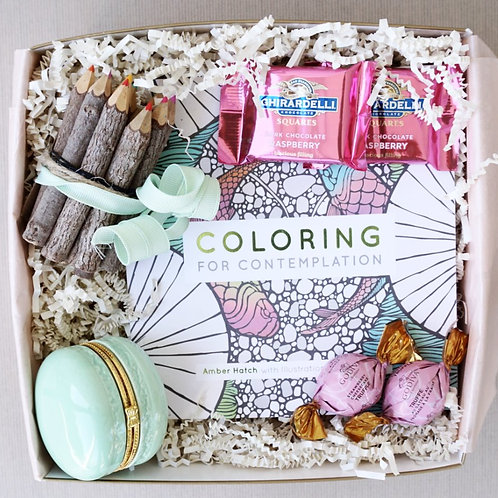 COLORING BOOK & WOODEN PENCIL KIT GIFT BOX