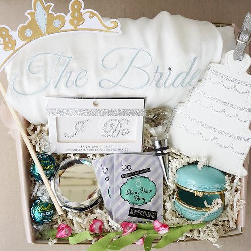 BRIDE ROBE & DIAMOND ESSENTIALS GIFT BOX