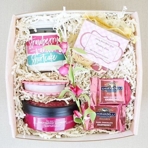 RASPBERRY & STRAWBERRY SHORTCAKE SPA DAY GIFT BOX