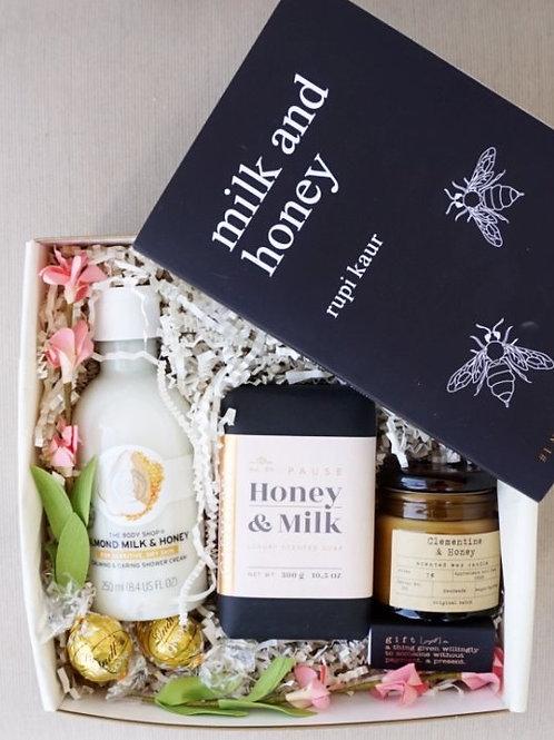 MILK & HONEY SPA DAY GIFT BOX