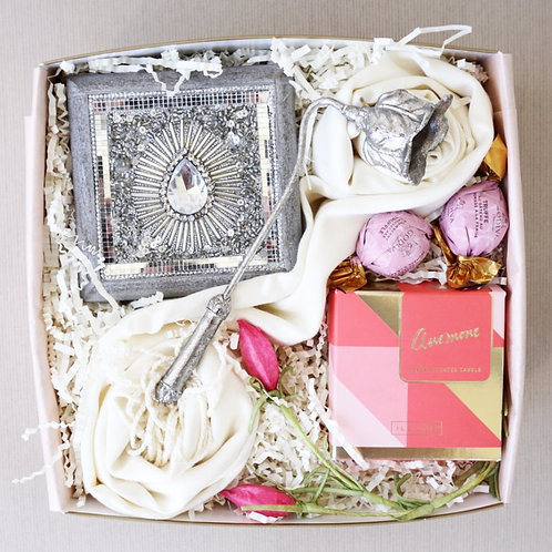 VINTAGE JEWELRY BOX, SCARF & CANDLE GIFT BOX