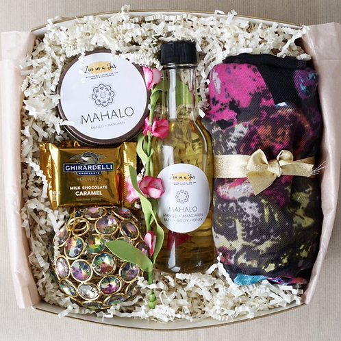 "MAHALO ""Island Christmas"" GIFT SET - Multicolor"