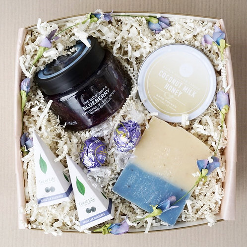 BLUEBERRY & COCONUT SPA DAY GIFT BOX