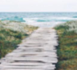 Rustikaler Strand-Weg