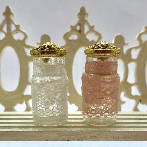 Flacon décoratif miniature en dentelle