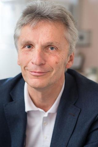CED-Helpline jetzt inkl. Prof. Harald Vogelsang