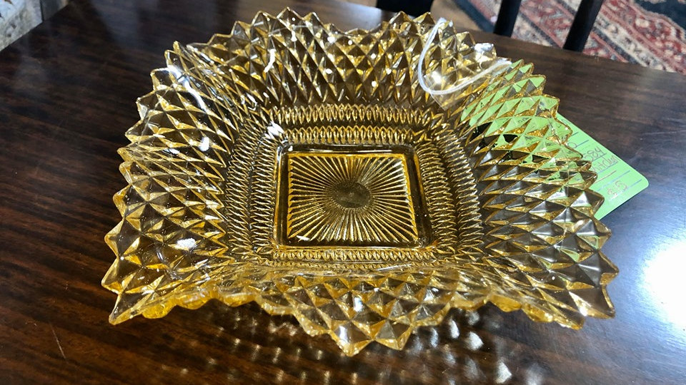 Federal Glass Pale Amber Diamond Cut Dish