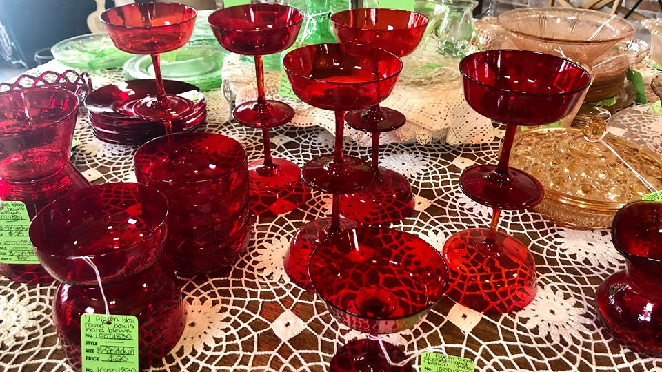 Set of 11 1940s Pigeon Blood Glasses