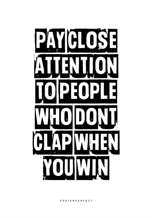 Affisch - Pay Close Attention