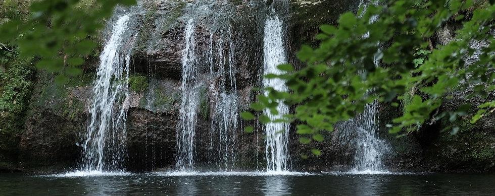 Wasserfall_bearbeitet.jpg