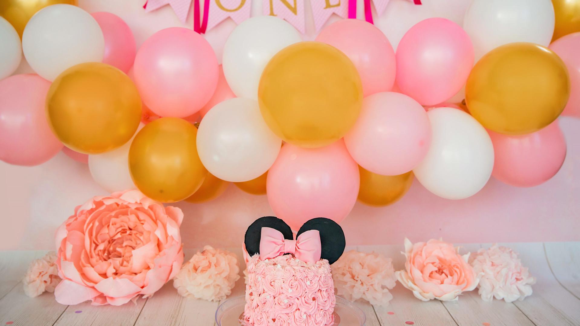 Smash the cake Miney Mouse