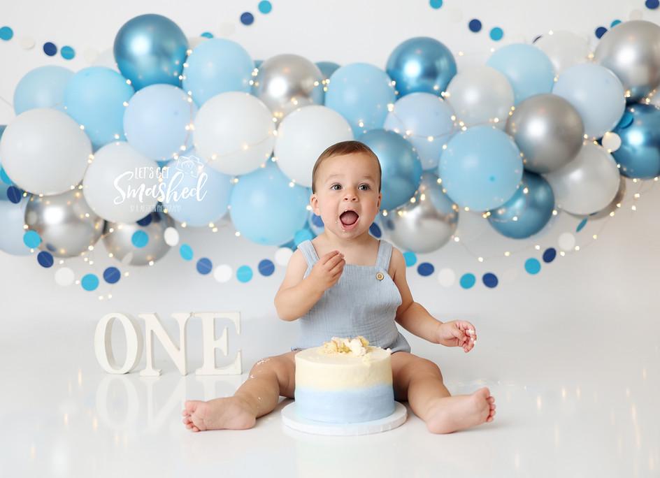 South Jersey Cake Smash Photography, Boy theme, blue, balloon garland, simple 1st Birthday