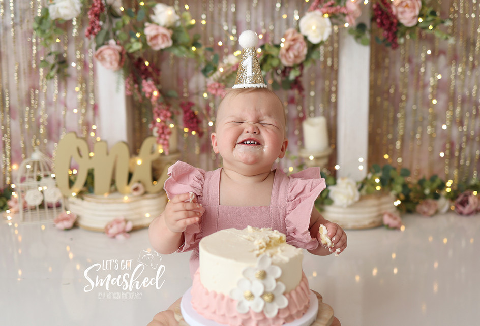 South Jersey Cake smash photographer- Pink and gold and mauve. New Jersey