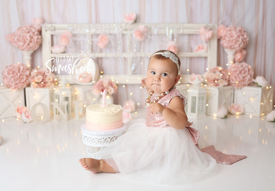 South Jersey Cake smash Photography, girl theme, white and pink, floral