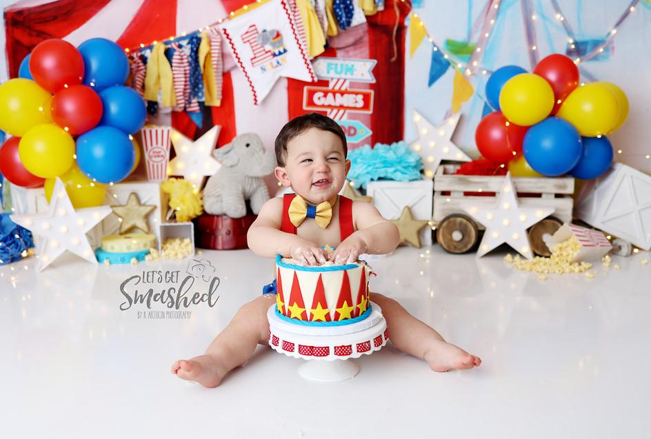 South Jersey Cake smash photographer, circus  Theme, 1st Birthday