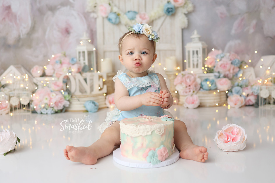 South Jersey Cake Smash Photographer-  floral theme, pink blue