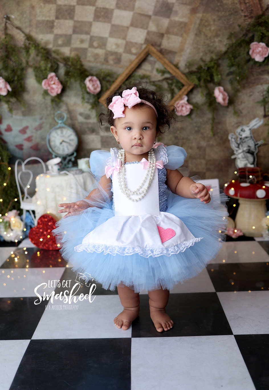 South Jersey Cake Smash photographer, Alice in onederland theme, girl, floral