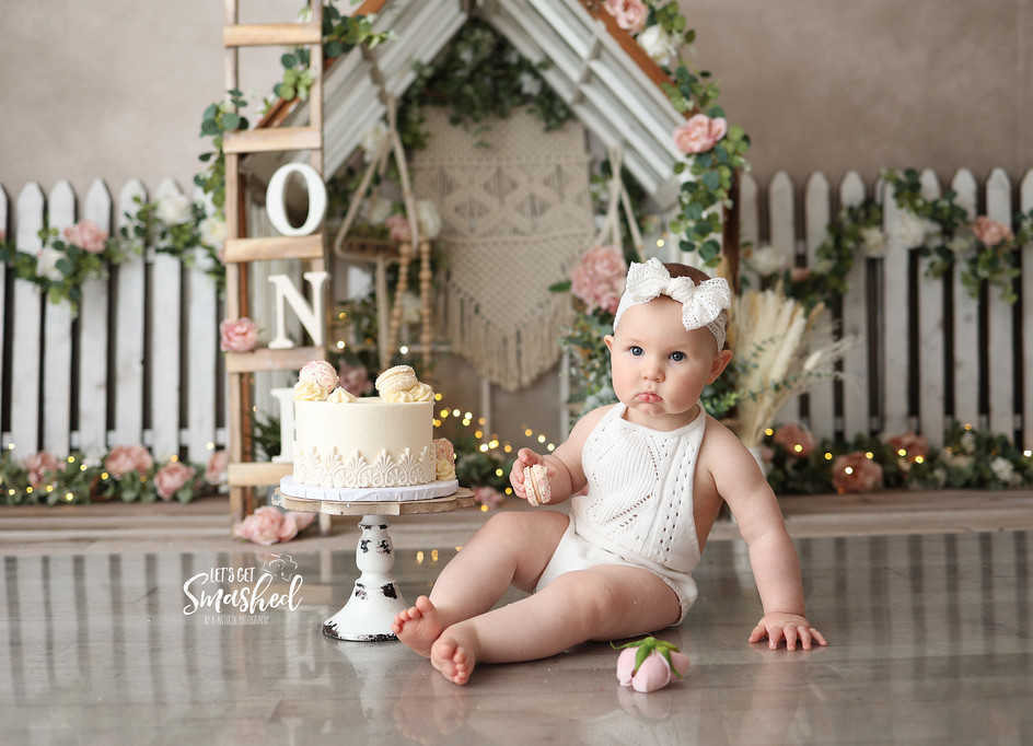 South Jersey Cake Smash 1st Birthday Photographer, Greenhouse floral theme