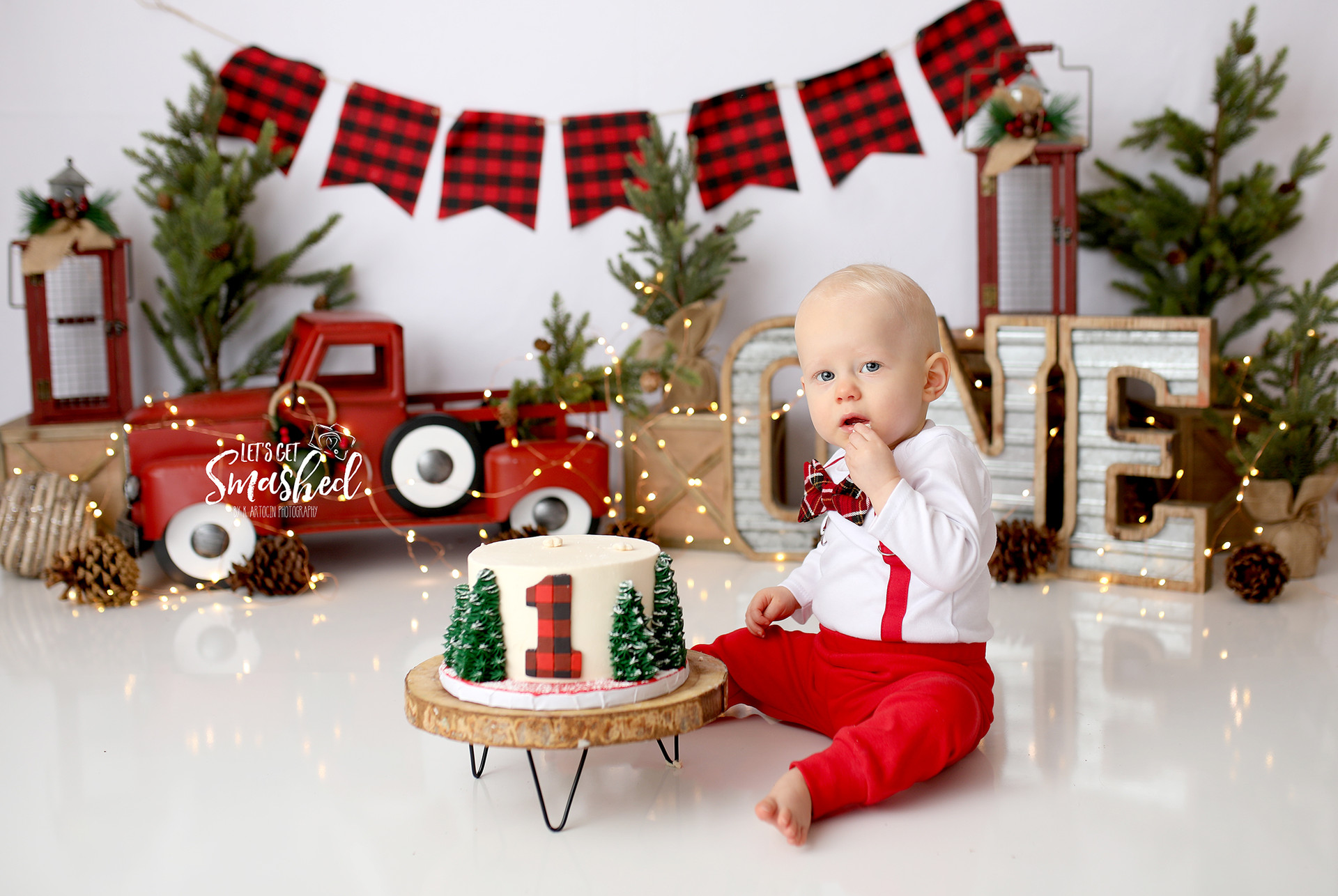 South Jersey Cake Smash photographer, Rustic Christmas Cake smash, boy theme, buffalo plaid