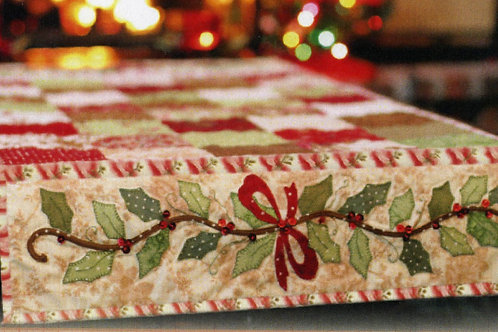 Holly and Berries Table Runner Pattern