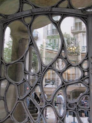 thoughtful architectural details art nouveau
