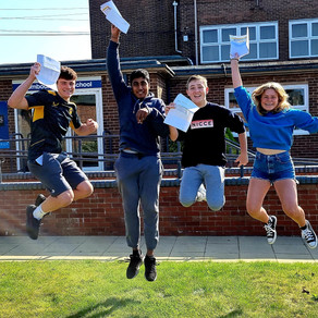 Wombourne Students Celebrate GCSE Results