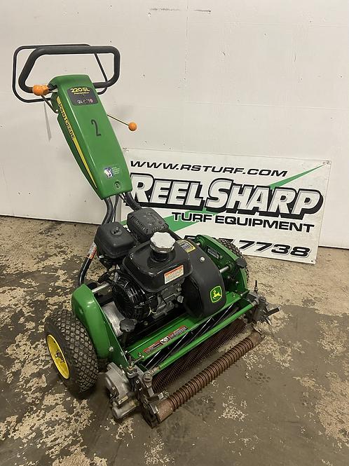 $1500 - John Deere 220SL Precision Cut