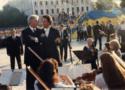 With President Clinton (2000)