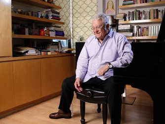 """Legendary Singer-Composer Randy Newman Says He Gets Heckled By 5-Year Olds Who Want to Hear """"Yo"""