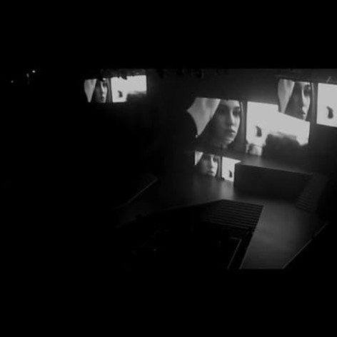 Multi-screen video projection