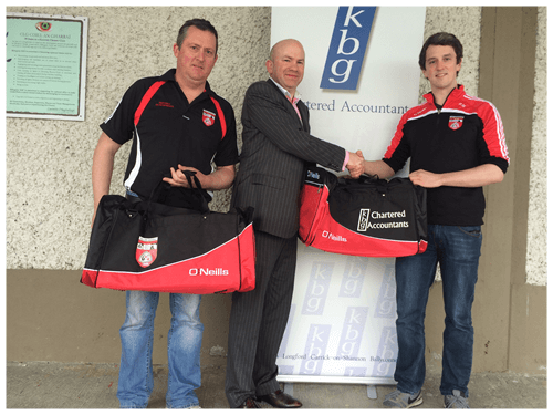 Mark Reilly Presents gear bags to Killygarry GFC