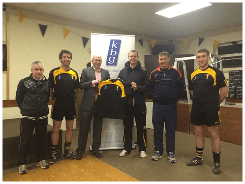 Mark Reilly Presents training tops to Crosserlough GFC