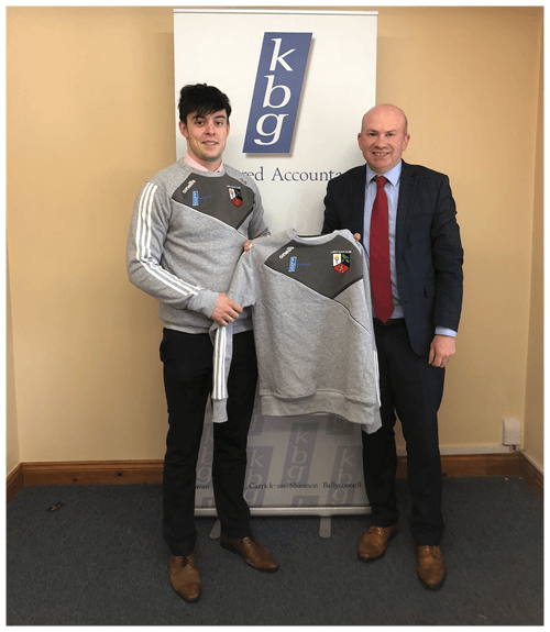 Mark Reilly  Presents tops to Lavey GFC and KBG team member Gerard Smith