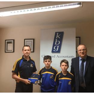 Paddy Keavney Presents gear bags to Butlersbridge boys