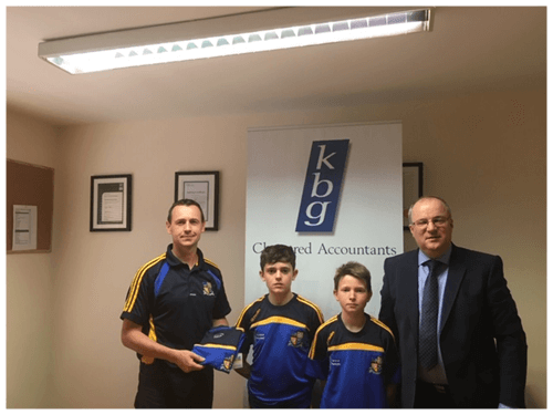 Paddy Keavney Presents gear bags to Butlersbridge boys