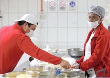 Crean nuevo Programa de Inserción Laboral y Social para migrantes