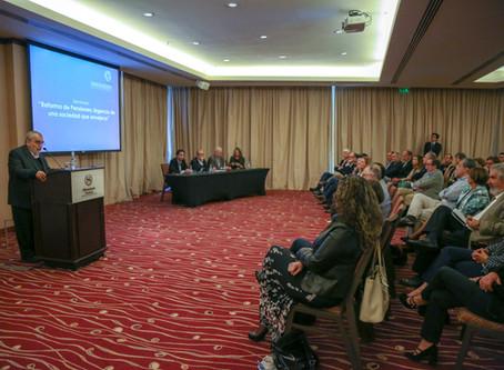 """""""Reforma de pensiones: urgencia de una sociedad que envejece"""""""
