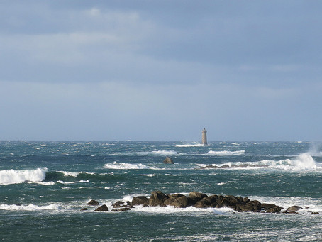 Octobre  2021  -  Horizons  - Les vagues en Bretagne