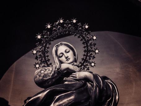 Frau Mutter und die Kundalini